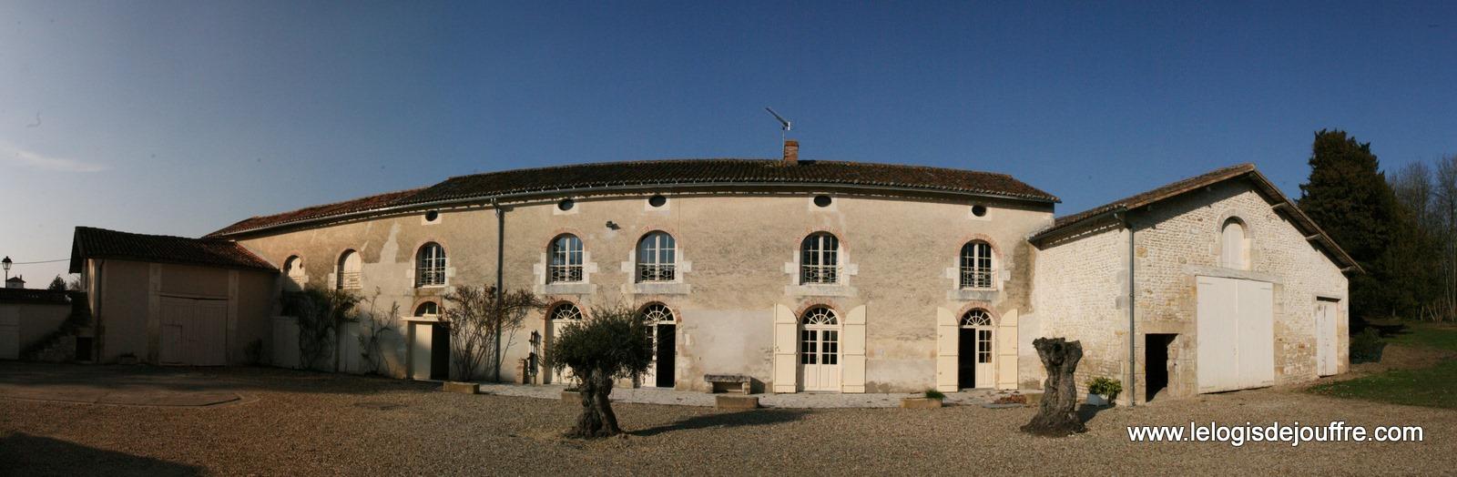 Gite-de-France-Location-de-Vacances-Logis-de-Jouffre-Vouille-86-Vienne Gîte rural N°470 à VOUILLE (Sud - Ouest), location Poitou-Charentes, Location Vienne 86